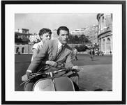 Ingelijste fotoprint Roman Holiday with Peck and Hepburn